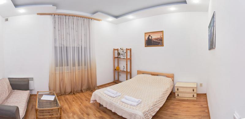 Address: Khmelnitskogo str., 20